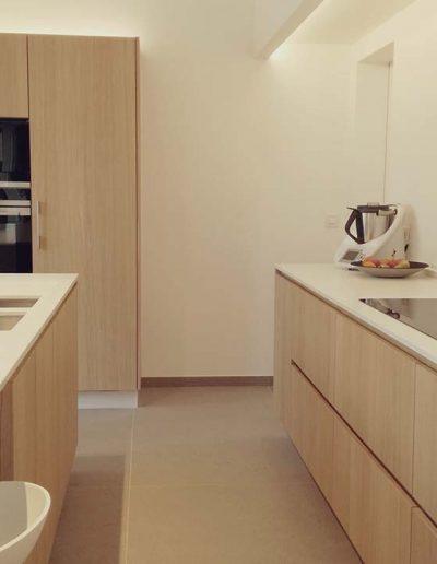 Keukentegels vloer en tablet werkblad