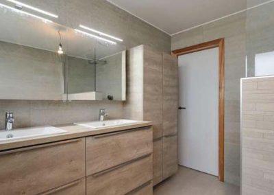 Totaalrenovatie badkamer wanden en vloeren