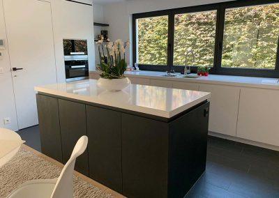 Keukenvloer in zwart keramische parket